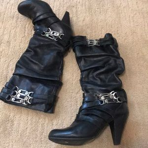 Black leather slouch boot wi/strap detail 7 1/2